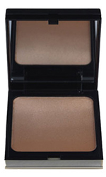 The beachy look with Kevyn Aucoin The Celestial Bronzing Veil by MWS Pro Beauty
