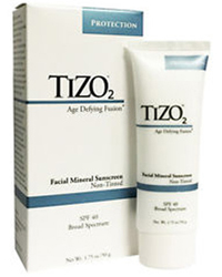 5 Essential Beach Glow Products Tizo 2 Age Defying Fusion SPF 40 Non-Tinted Sunscreen-1.75 oz by MWS Pro Beauty