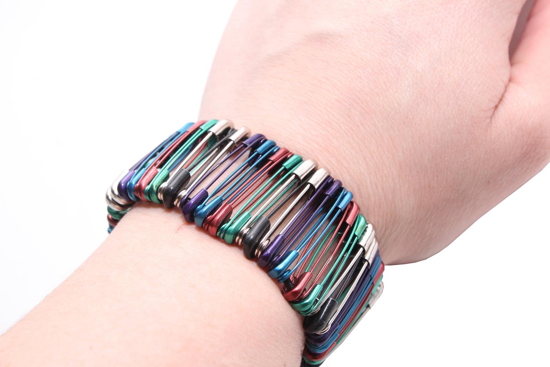 bracelet on wrist - photo #17