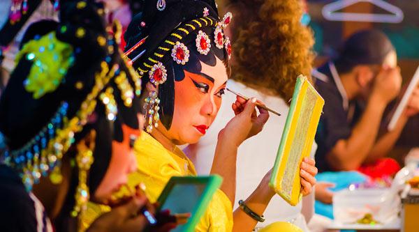 Educational Mehron Kits by MWS Pro Beauty